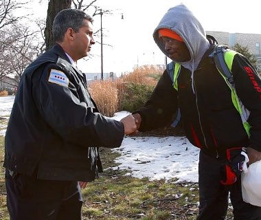 Chicago Cop Changed a Homeless Veterans Life